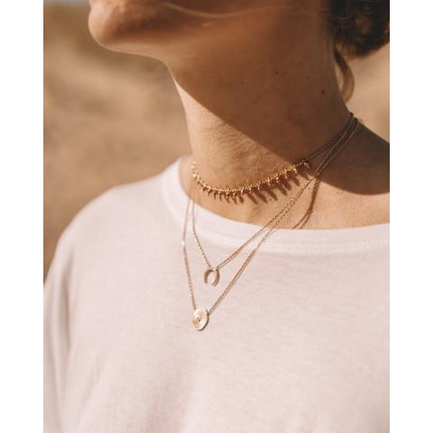 Collier ras de cou accumulation plaqué or perles