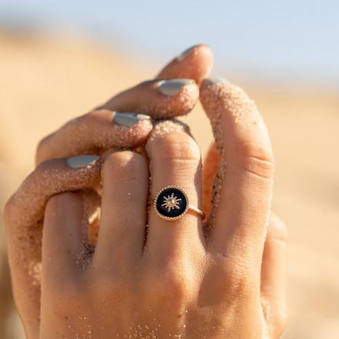 Bague médaillon soleil noir plaqué or
