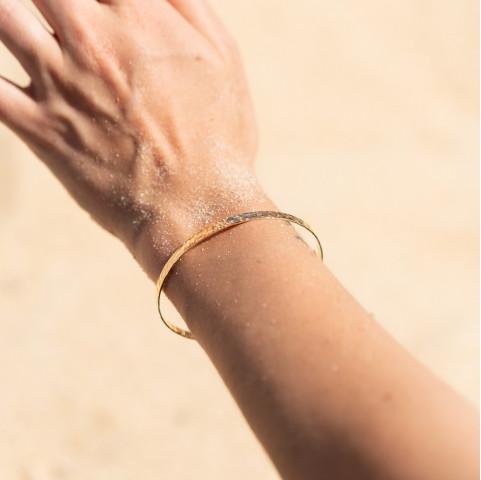Jonc femme martelé tendance en plaqué or