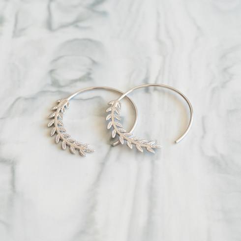 Boucles d'oreilles créoles en argent rhodié motif lierre