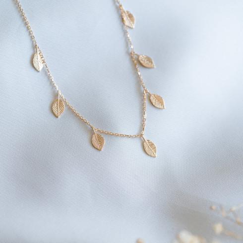 collier feuilles plaqué or