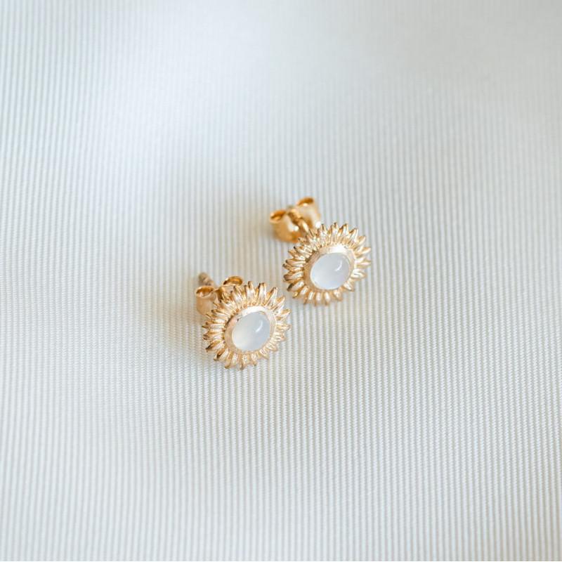 Boucles d'oreilles fleur pierre de lune plaqué or