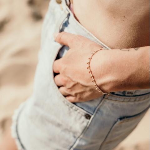 Bracelet tendance plaqué or avec petites pampilles