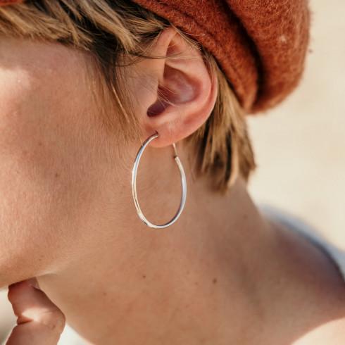 Boucles d'oreilles créoles en argent chic et indémodable