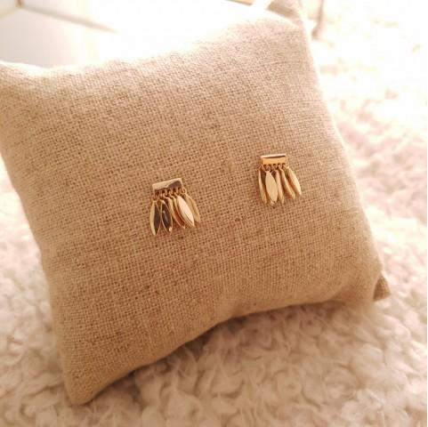 Boucles d'oreilles plaqué or avec breloques fines pendantes
