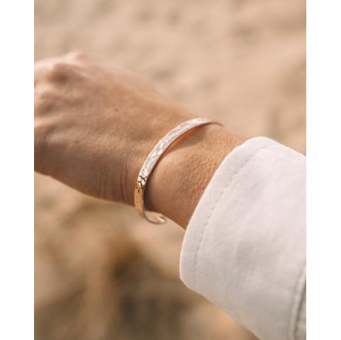 Bracelet femme martelé plaqué or