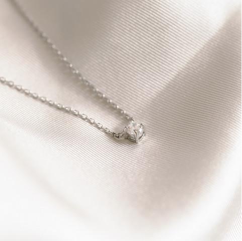 Collier argent 925 rhodié serti d'une pierre précieuse en oxyde de zirconium